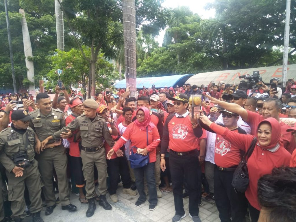 Euforia Masyarakat Banggai Menyambut Piala Adipura Kirana