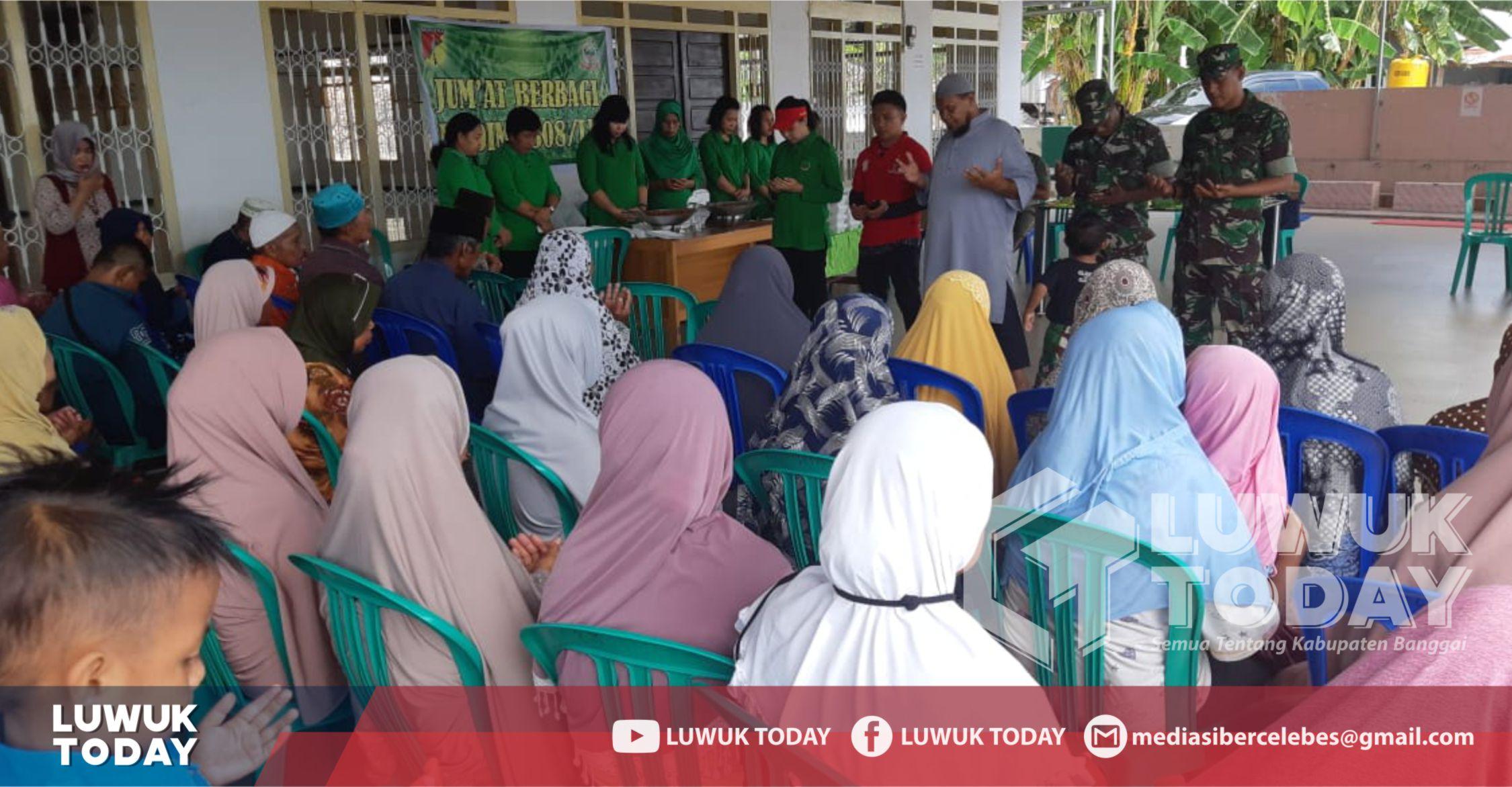 Photo of Kodim 1308 Luwuk Laksanakan Jumat Berbagi Untuk Warga Miskin