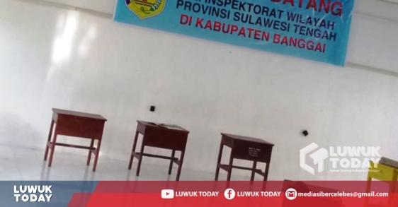 Photo of Warga Resah, Hingga Pkl. 09.30 WITA TPS Di Kota Luwuk Belum Bisa Memilih