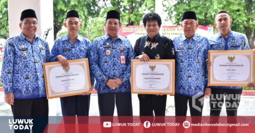Foto Kabupaten Banggai menerima Penghargaan Prestasi Tertinggi Penyelenggaraan Pemerintah Daerah, Kamis (25/4/2019).