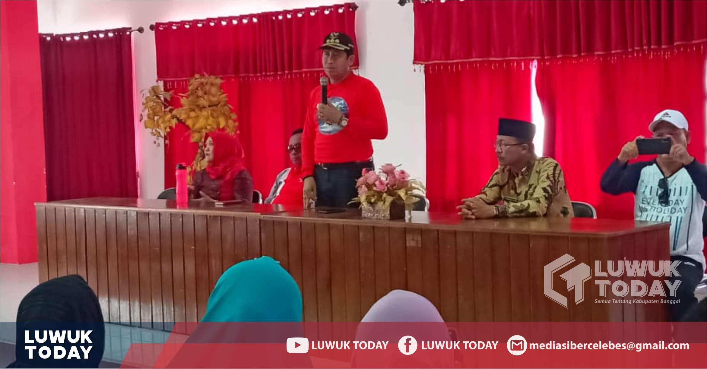 Foto Ir. H. Herwin Yatim,M.M., menyampaikan sambutan di acara silahturahmi kapala sekolah se-Kabupaten Banggai, Jumat (27/9/2019).