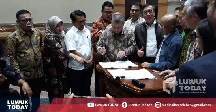 Photo of Sah! RKUHP Pasal Kumpul Kebo Dibawa Ke Paripurna DPR Pekan Depan