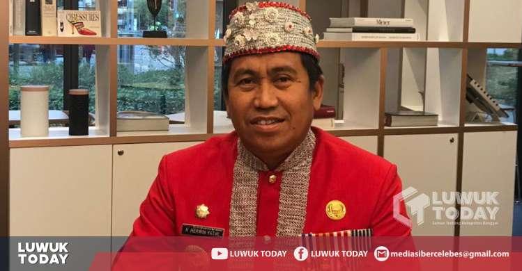 Photo of Bupati Banggai Gunakan Pakaian Adat Saluan Di PBB