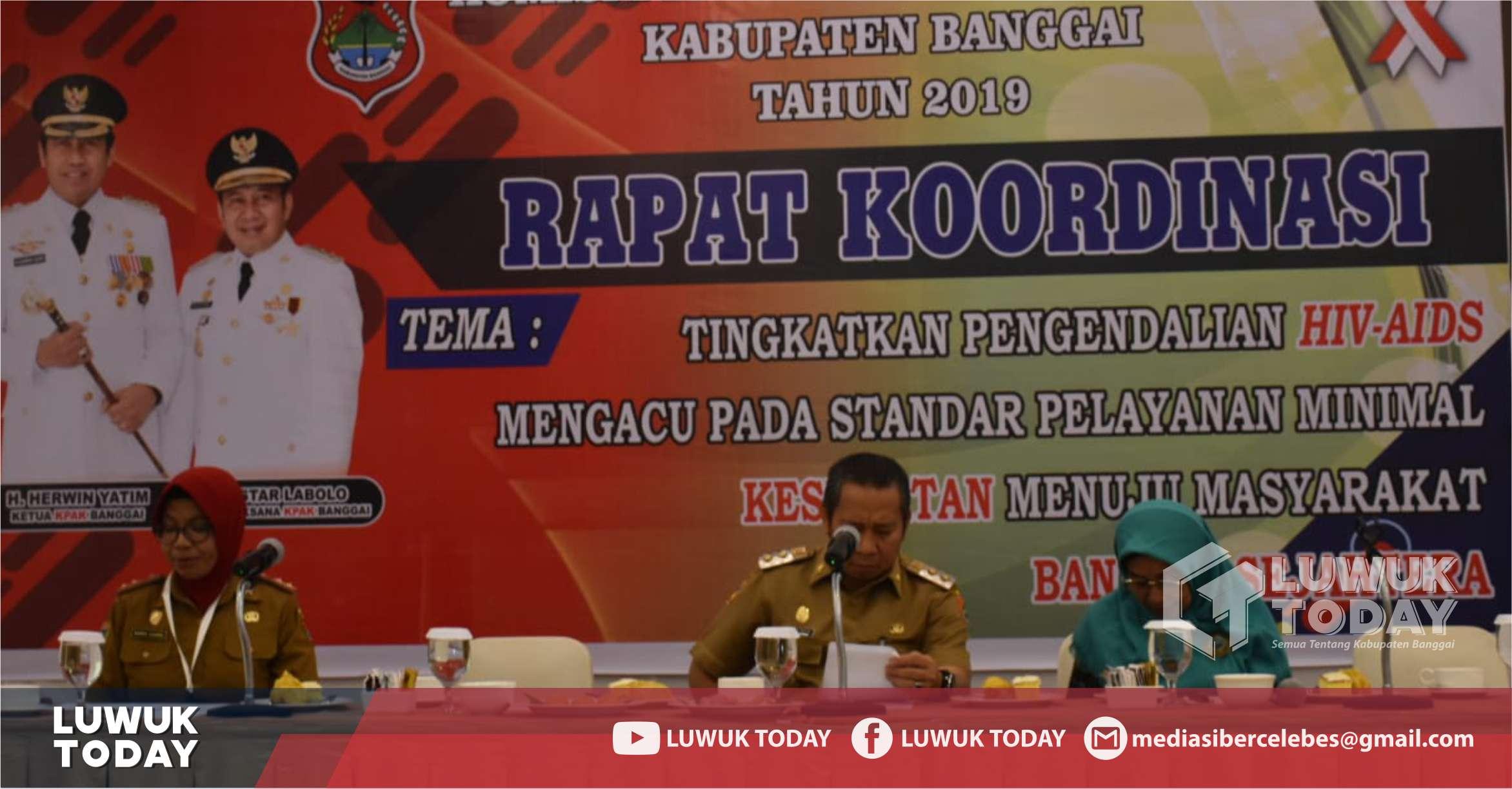 Foto Wakil Bupati Banggai H. Mustar Labolo membuka secara resmi Rapat Koordinasi Pengendalian HIV AIDS Kabupaten Banggai, Senin (23/9/2019).