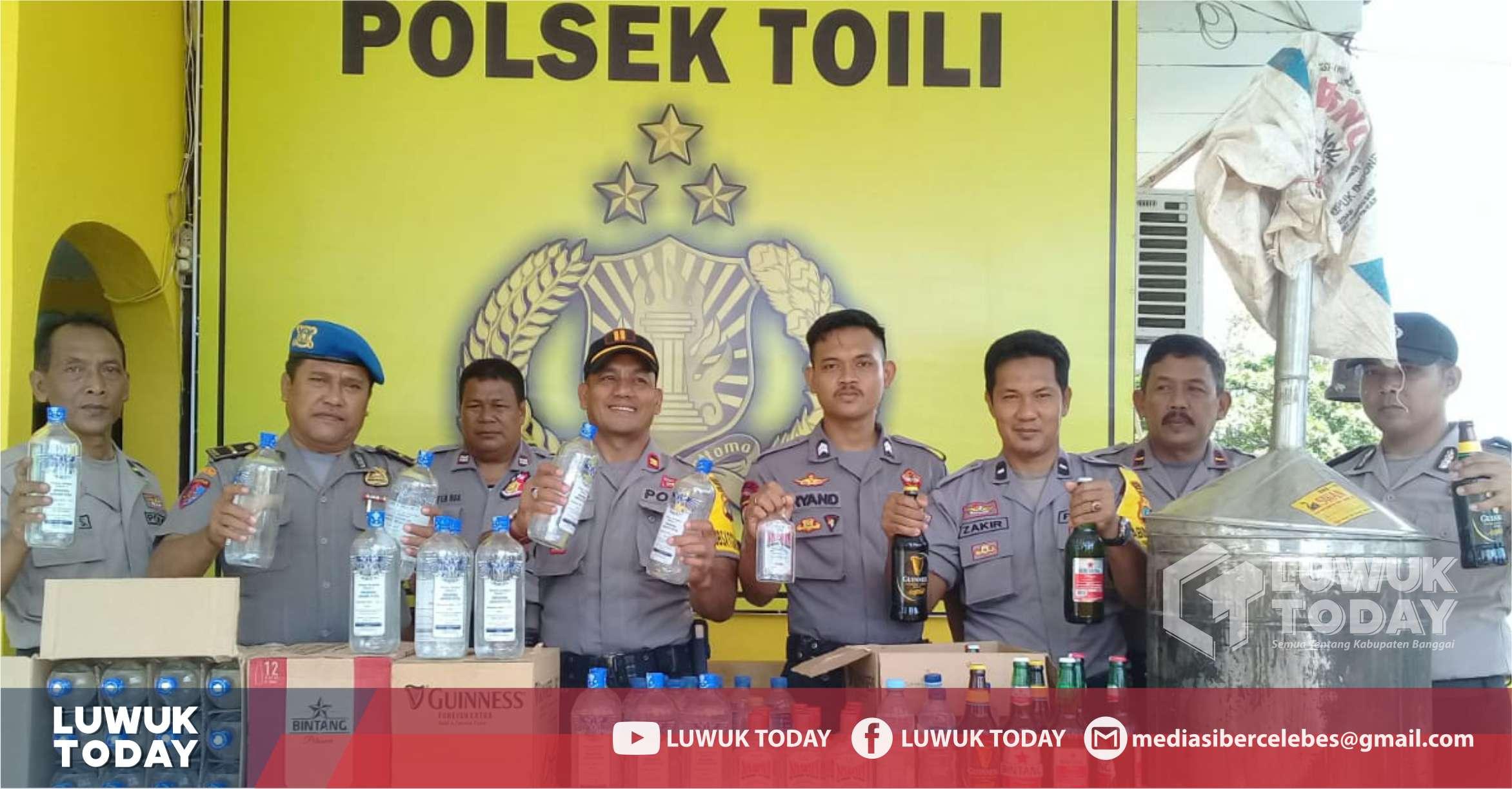 Photo of Gelar Operasi Pekat, Puluhan Miras Diamankan Polsek Toili