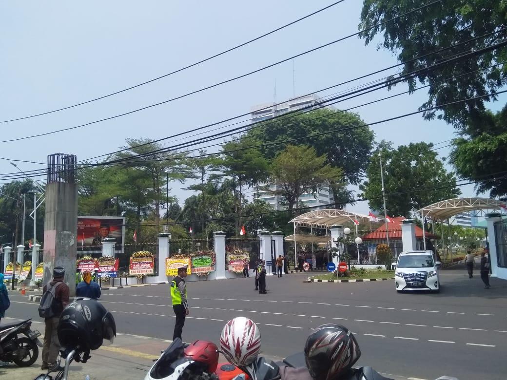Photo of Jelang Pelantikan Presiden, Pengamanan Seputaran DPR Diperketat