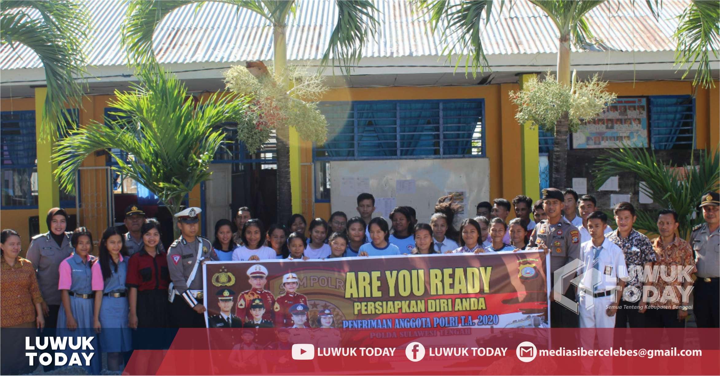 Photo of Penerimaan Anggota Polri 2020, Polres Banggai Sosialisasi ke Sekolah