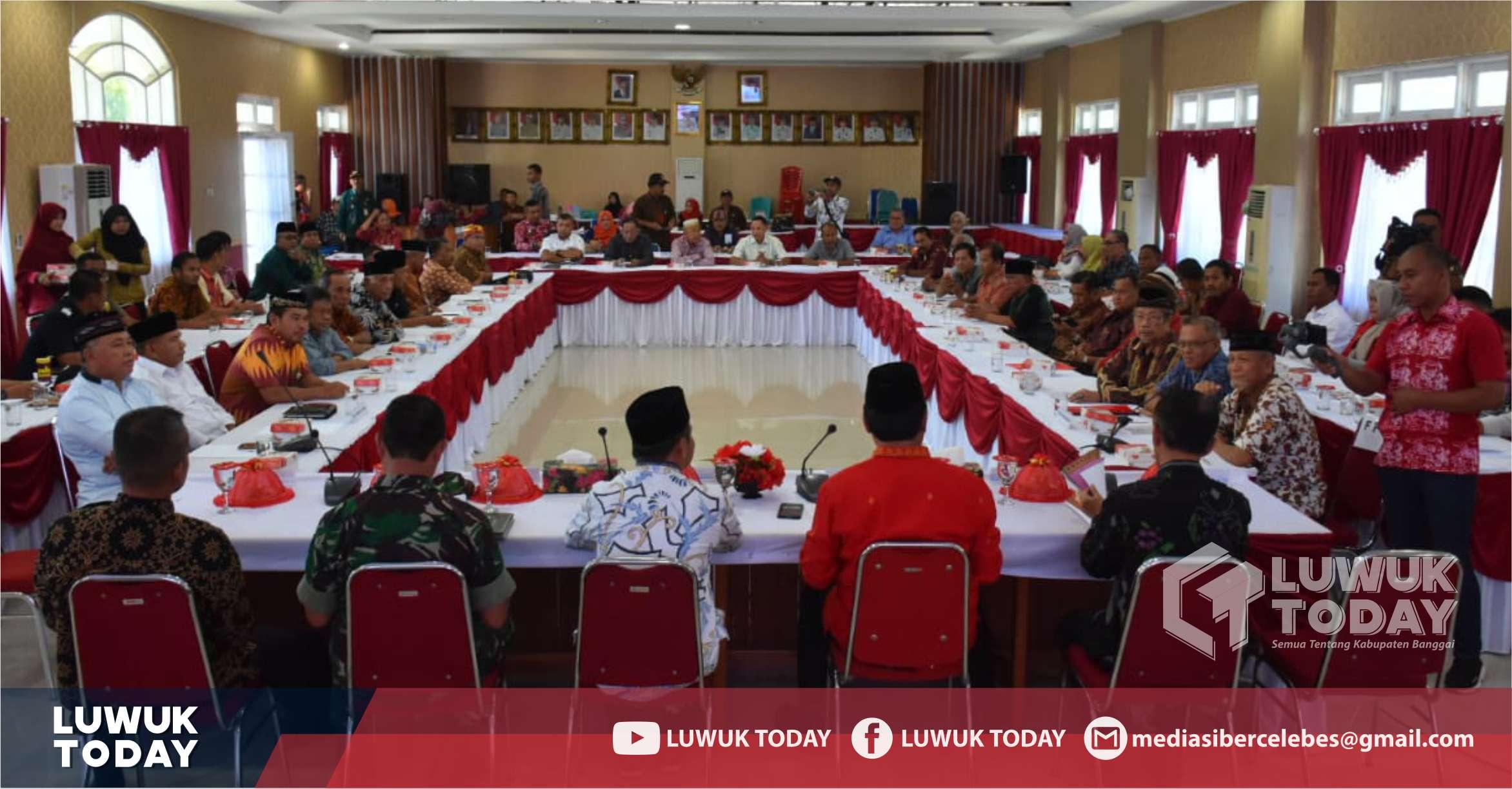 Photo of Jelang Pilkada 2020, Kasbangpol Banggai Gelar Rakor