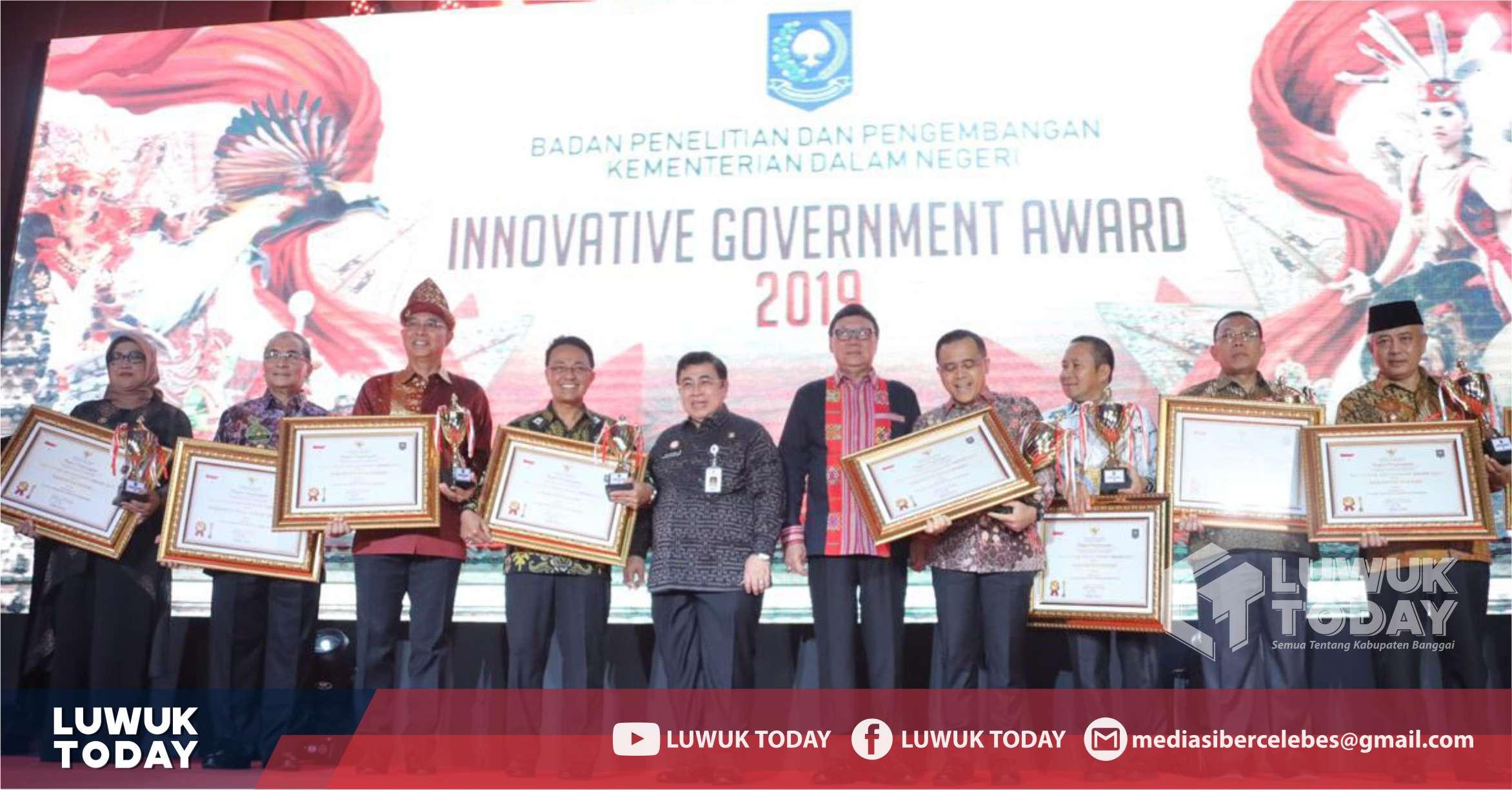 Bupati Banggai Menerima Penghargaan Innovative Government Award