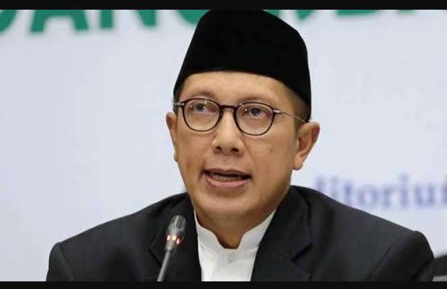 Foto Menteri Agama (Menag) Lukman Hakim Saifudin, mendorong para santri untuk menyebarkan pesan perdamaian melalui identitas diri. Hal tersebut, untuk menjaga persatuan bangsa Indonesia.