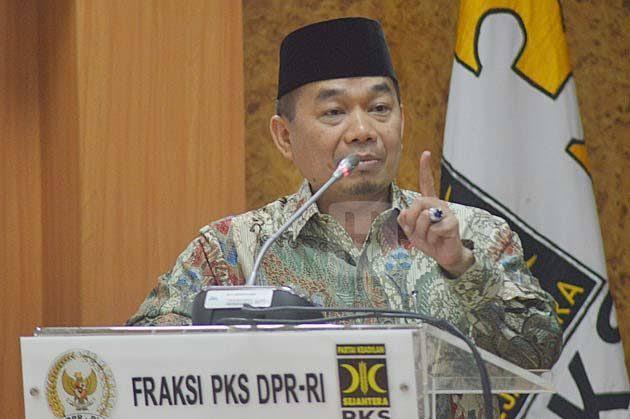 Politisi Partai Keadilan Sejahtera (PKS), Jazuli Juwaini kembali menjabat sebagai Ketua Fraksi PKS di DPR RI untuk masa periode 2019-2024