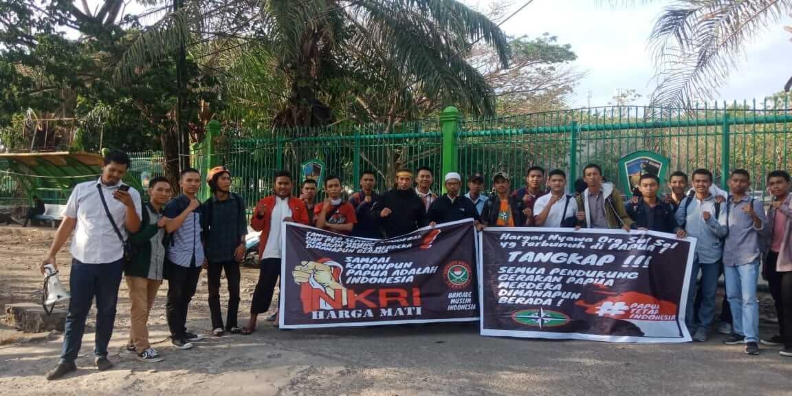 Foto  Aktivis Brigade Muslim Indonesia (BMI) bersama mahasiswa pencinta alam Cakrabuana Fakultas Teknik Universitas Muslim Indonesia (UMI) Hadang Aksi yang Diduga Membawa Misi Pendukung Papua Merdeka, Senin (12/11/2019), Foto : Ilustrasi/pilarindonesia.com