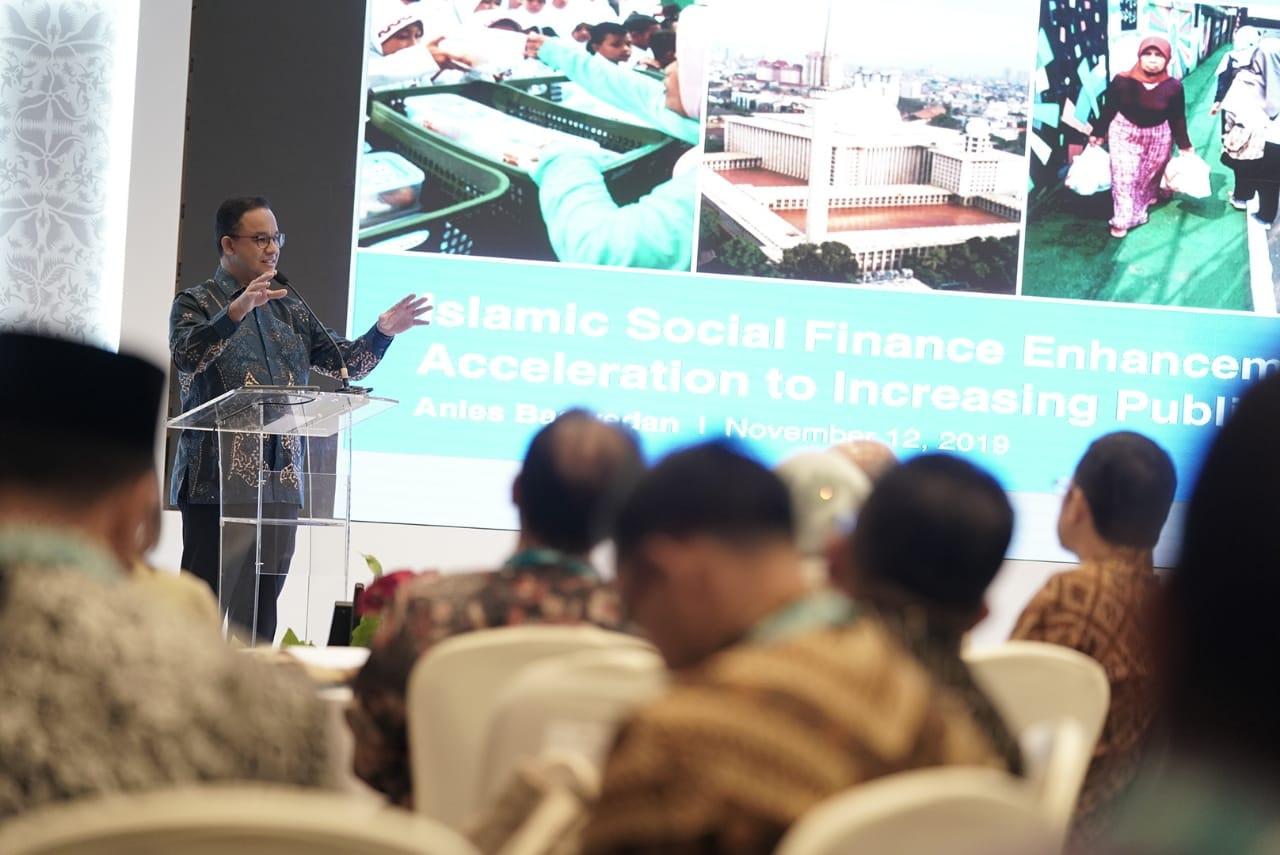 Foto Gubernur DKI Jakarta Anies Baswedan menyampaikan sambutan pada Konferensi OIC Forum on Islamic Social Finance  yang digelar di Jakarta pada Selasa (12/11/2019). Photo: FP @Aniesbaswedan