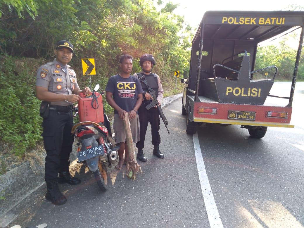 Foto Proses penangkapan Kapolsek Batui Foto:Fandi/LT