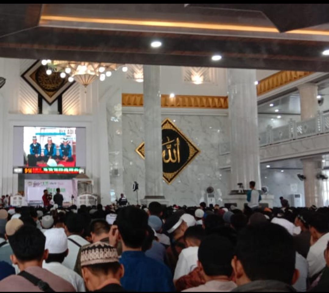 Foto Ribuan peserta padati Tabligh Akbar Ustadz Adi Hidayat pada peringatan Hari Jadi Kabupaten Gowa ke-699 tahun di Gowa Sulawesi Selatan. Foto : Humas DPD Wahdah Islamiyah Gowa