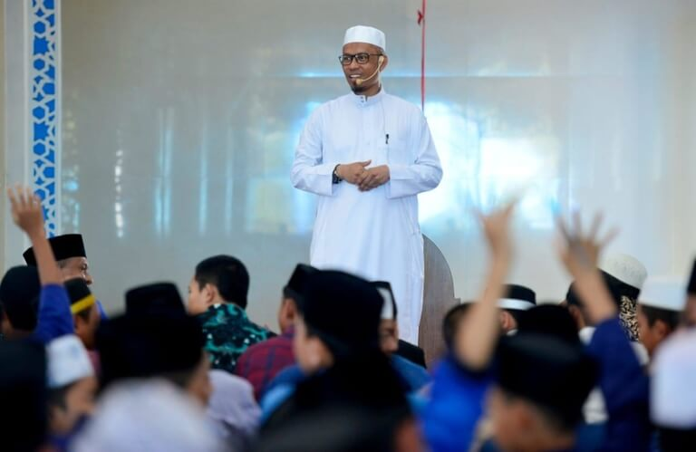Foto  Ketua Ikatan Pesantren Indonesia (IPI) Sulawesi Selatan, H. Muhammad Iqbal Djalil, Lc., mendukung program satu desa, satu penghafal (hafidz) Alqur'an. Senin (18/11/2019).