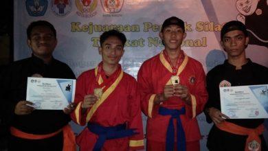 Photo of Tak Disangka, Dua Santri Wahdah Raih Medali Emas di Kejuaraan Pencak Silat