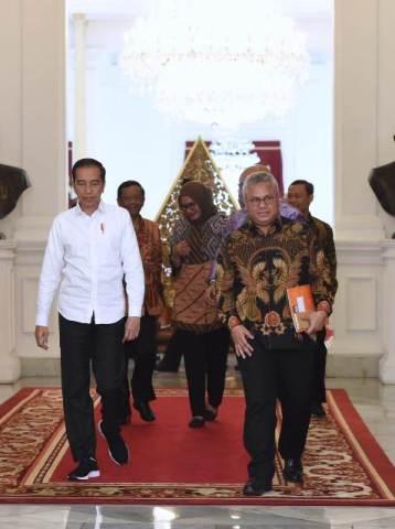 Foto Ketua KPU temui Presiden Jokowi di Istana. Foto : Net