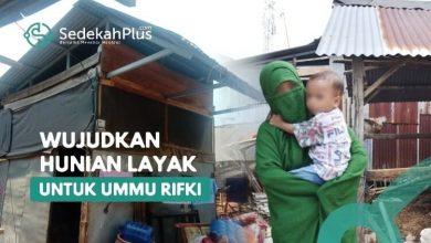 Photo of Kisah Pilu Ummu Rifki, Muslimah Bercadar yang Jualan Ikan Keliling untuk Hidupi 5 Anaknya