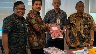 Photo of Tindaklanjuti Keluhan Warga Tanjung, Bupati Banggai Kunjungi Menteri PUPR