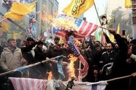 Photo of Serangan Balasan IRGC ke Pangkalan Militer AS di Irak Disambut Gembira Rakyat Iran