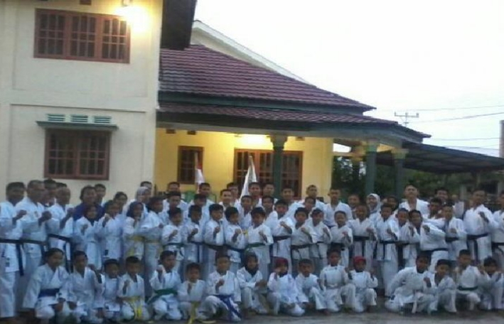 Foto Terbang ke Sulut, 20 Karateka Asal Sulteng Siap Ikuti kejuaraan Tingkat Nasional di Sulwesi Utara