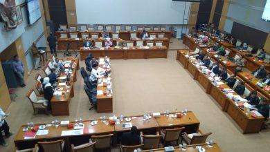 Photo of Soal Lansia yang Terbengkalai, DPR Nilai Kaya Bom Waktu