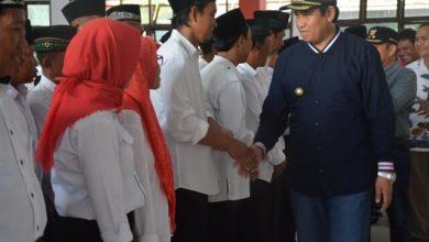 Photo of Lantik Anggota BPD se-Kecamatan Balantak, Ini Pesan Bupati Herwin Yatim