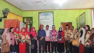 Photo of Kunker ke Banggai, Wakil Walikota Banda Aceh Kunjungi 3 Sekolah di Luwuk