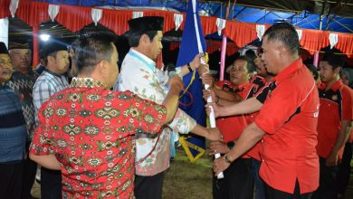 Photo of Kukuhkan Pengurus Karang Taruna se-Kecamatan, Bupati Herwin Yatim: Galakkan Program Taksin