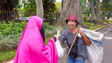 Photo of Masyarakat Kesulitan Ekonomi Akibat Wabah Covid-19, BNC dan MBR Ulurkan Bantuan