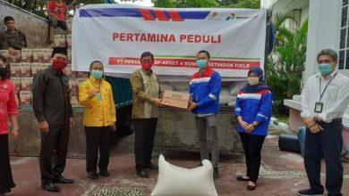 Photo of JOB Tomori Peduli Serahkan Beras dan Mie, Herwin : Segera Didistribusikan Untuk Warga Korban PHK Akibat Corona