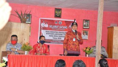Photo of Bupati Banggai Serahkan Bantuan Langsung Tunai di Kecamatan Mantoh