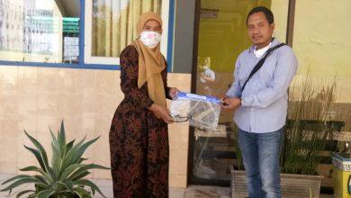 Photo of Bakti Alumni Kepada Sekolah Berikan APD Kepada SMP 1 Kwanyar Dalam Pencegahan Covid 19