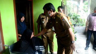 Photo of Bupati Banggai Beri Motivasi dan Apresiasi Relawan Covid-19 Ibu Masriah