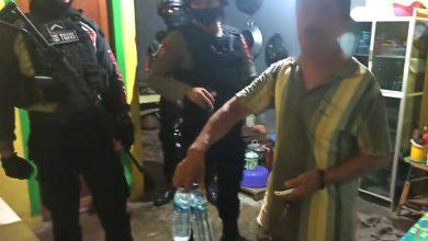 Photo of Tim Tarantula Polres Banggai Kembali Geledah Rumah Penjual Miras di Luwuk