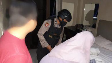 Photo of Tim Tarantula Polres Banggai Kembali Amankan Sepasang Muda-mudi di Kamar Hotel