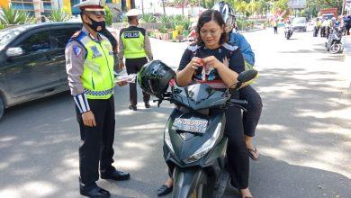 Photo of Gelar Pendisiplinan Protokol Kesehatan, Satlantas Polres Banggai Tegur Pengguna Jalan Tak Pakai Masker