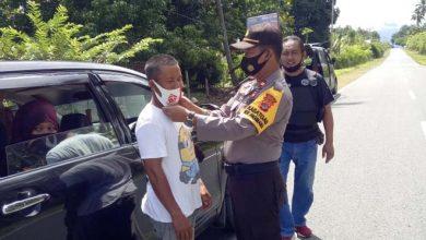 Photo of Polsek Pagimana Lakukan Pendisiplinan Penggunaan Masker di Jalan