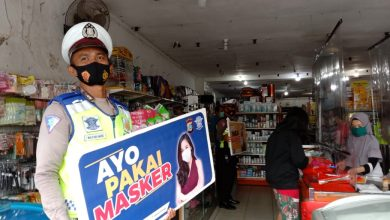 Photo of Kampanyekan Protokol Kesehatan, Satlantas Polres Banggai Sasar Tempat Perbelanjaan